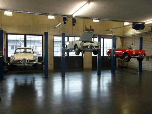 128 Alfa Romeo Werkstatt