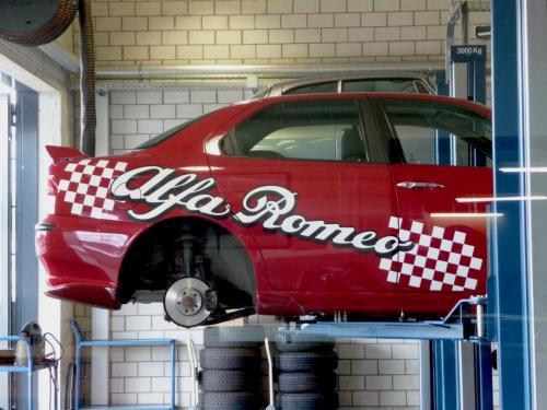 141 Alfa Romeo 156