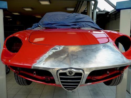 152 Alfa Romeo Duetto Front