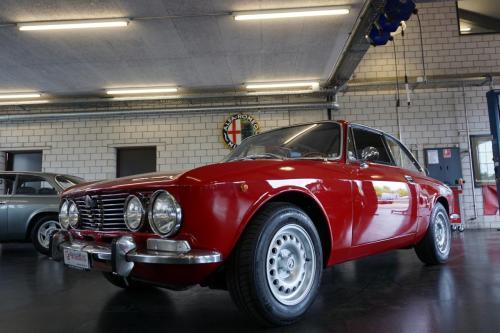 209 Alfa Romeo GTV 2000