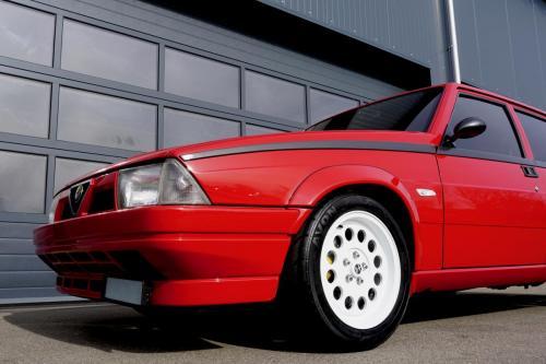210 Alfa Romeo 75 Turbo