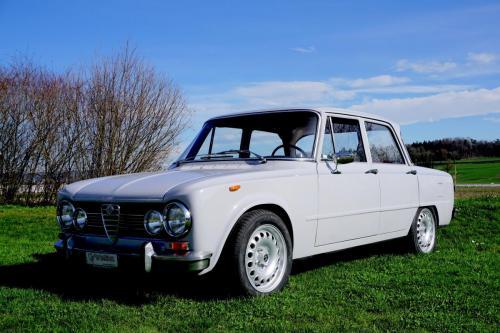 213 Alfa Romeo Giulia Super