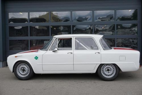 219 Alfa Romeo Rennwagen Giulia